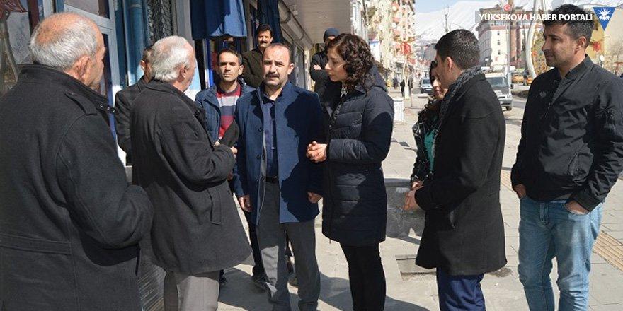 HDP Hakkari adaylarından esnaf ziyareti