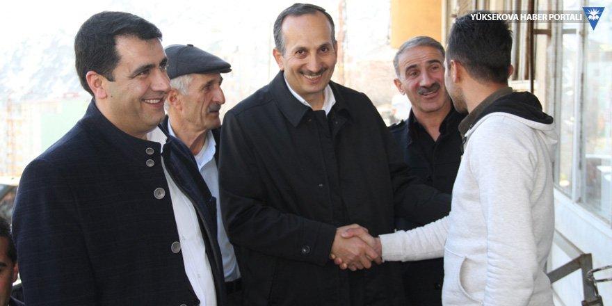 AK Parti Şemdinli adayı Saklı'dan esnaf ziyareti