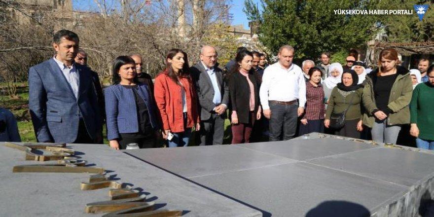 Ahmet Şık'tan Apê Musa'nın mezarına ziyaret