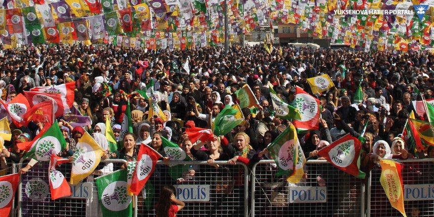 İYİ Partili ve HDP'li kadınlar siyasette daha aktif