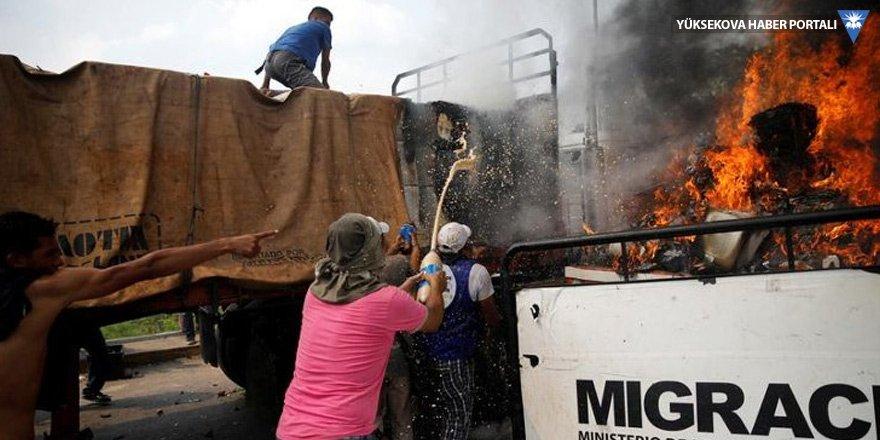 NYT yalan haberin izini sürdü: Yardım konvoyunu Maduro değil, muhalifler yaktı