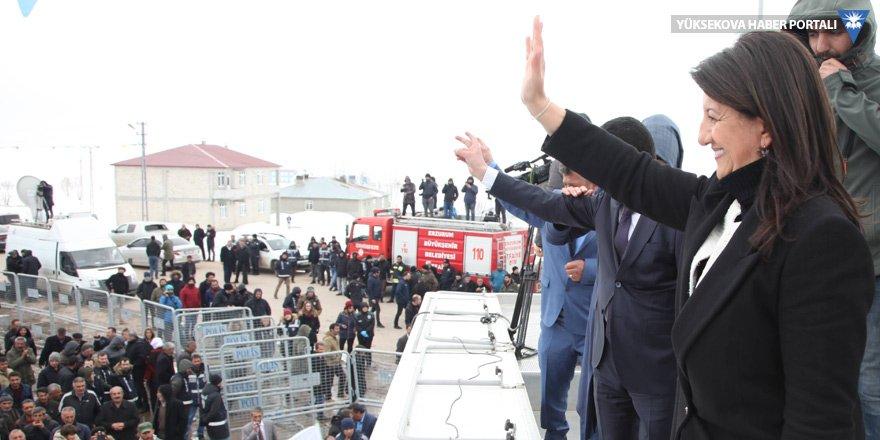 Buldan: Sinevizyonda kendi var, 'en büyük terörist' diyor!