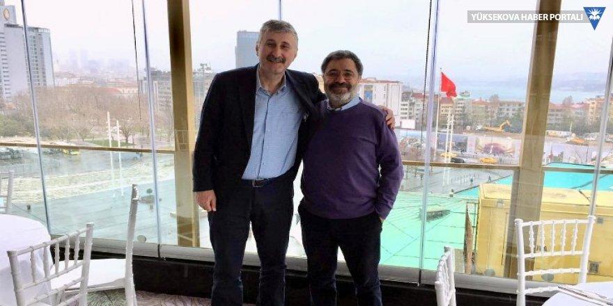 Yazar Ahmet Ümit'ten Alper Taş'a destek
