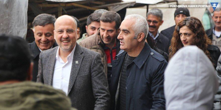 HDP'li Şık'tan Yüksekova'daki seçim çalışmalarına destek!