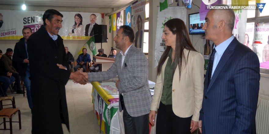Yüksekova: Yaşar ve Sarı tebrikleri kabul ediyor