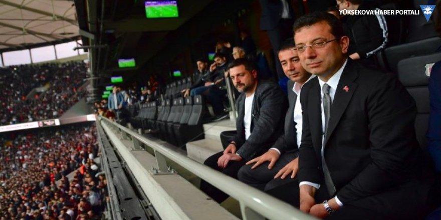 Beşiktaş taraftarından İmamoğlu tezahüratı