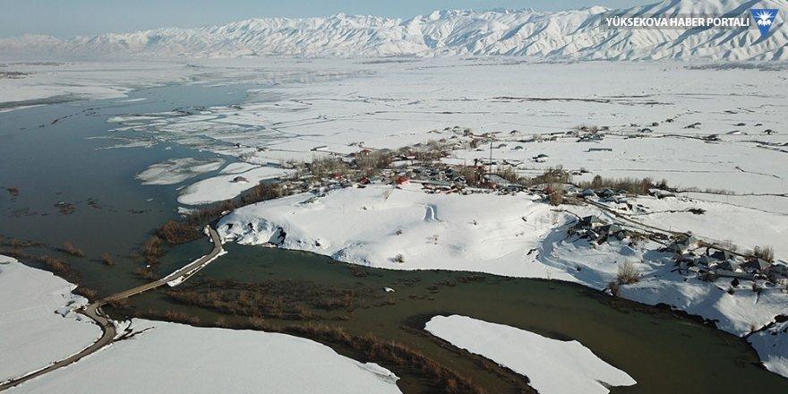 Yüksekova Nehil deresi taştı