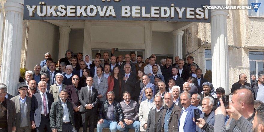 Yüksekova Belediyesi'nde devir teslim töreni