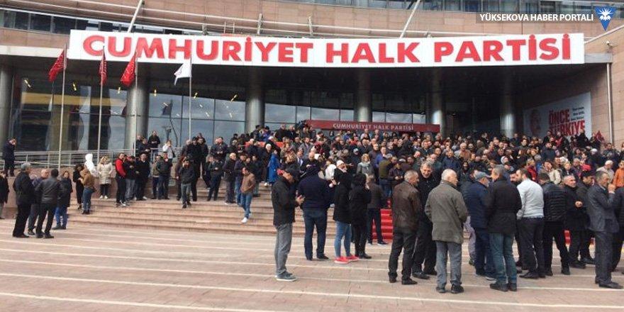 CHP'liler Kılıçdaroğlu'nu bekliyor