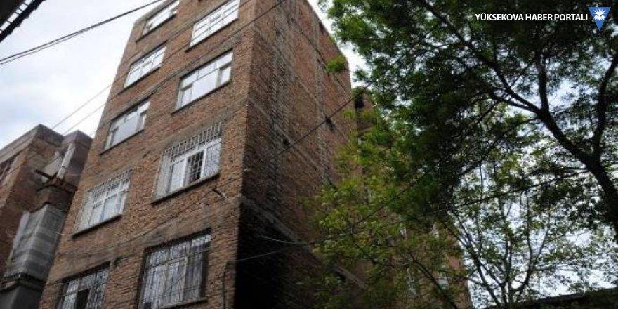 Yıkım kararı alınan bina ikinci kez boşaltıldı