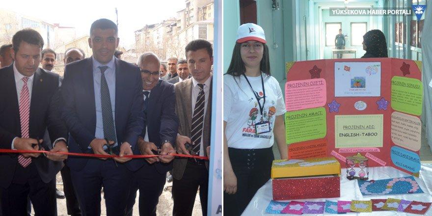 Yüksekova'da bilim fuarı açıldı!
