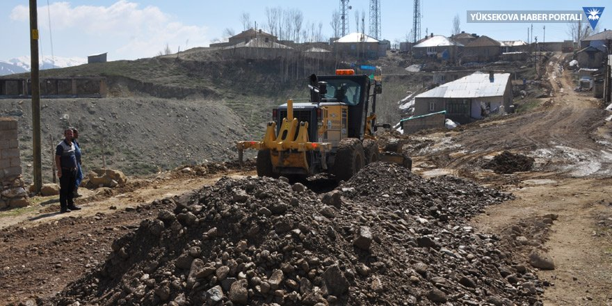 Yüksekova'da kumlama çalışması başlatıldı