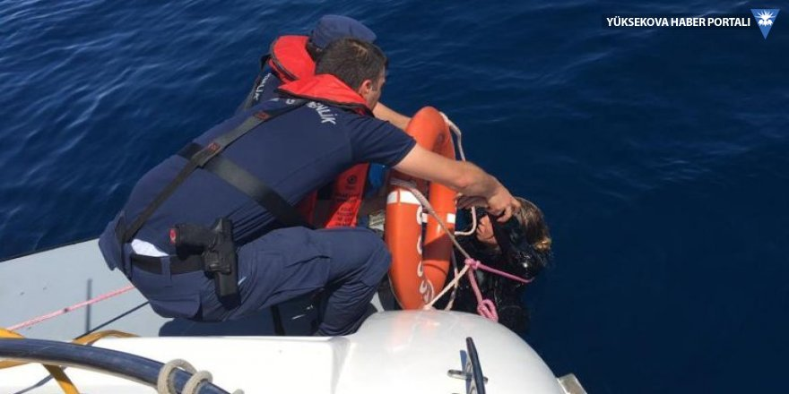 Ayvalık'ta mülteci teknesi battı