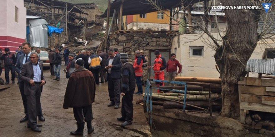 Erzurum'da bir ahırın çatısı çöktü: 2 ölü, 2 yaralı