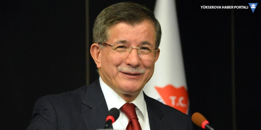 Ahmet Davutoğlu parti başvurusunu yaptı