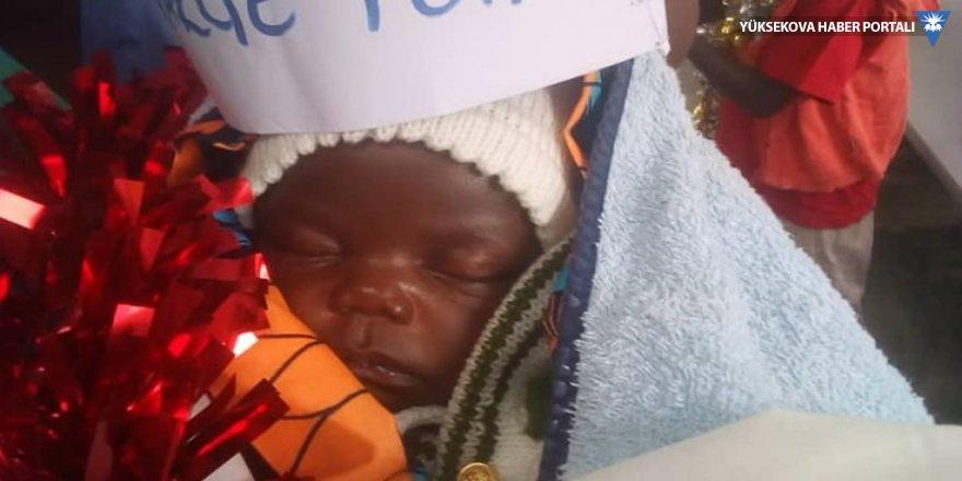 42 günlük bebek Ebolayı yendi