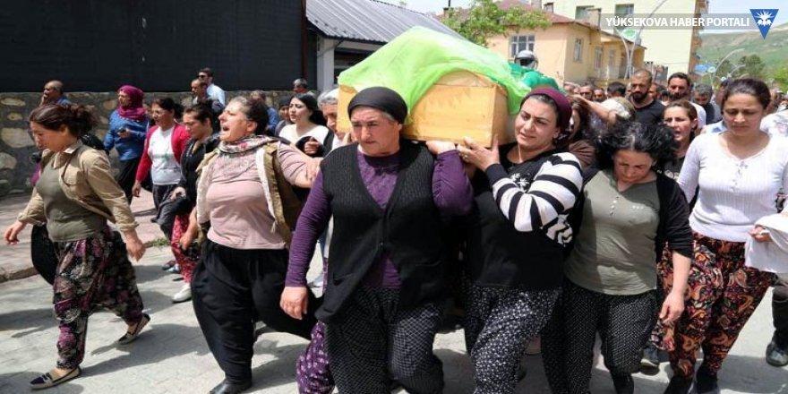 Hozat'ta bir kadın öldürüldü