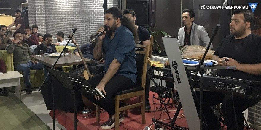 Ferat Üngür, Yüksekova'da sahne aldı