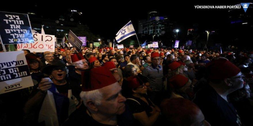 İsrail'de Netanyahu'ya fesli protesto