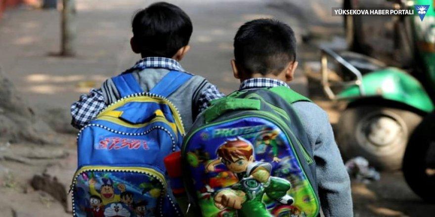 Okul ücretini ödeyemeyen çocuğun kolu damgalandı