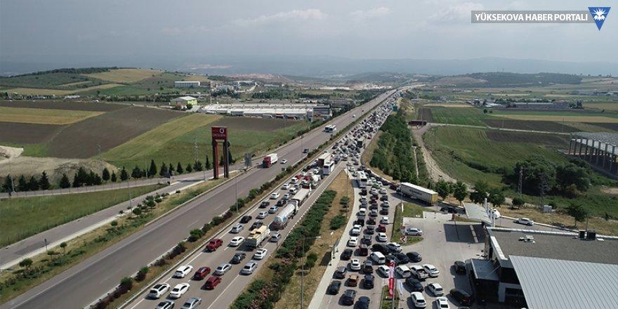 İstanbul-Bursa-İzmir yolunda trafik durma noktasında