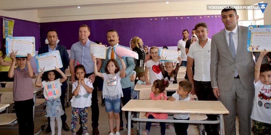 Yüksekova'da karne heyecanı