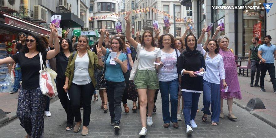 HDP ve CHP'li kadınlar birlikte seçim bildirisi dağıttı