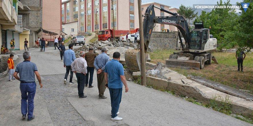 Hakkari Belediyesi'nden yol genişletme çalışması
