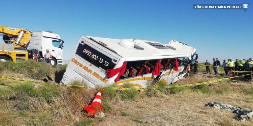 Cizre otobüsü, Aksaray'da devrildi: 41 yaralı