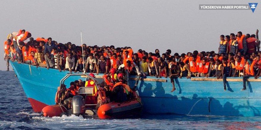 Tunus'ta tekne battı: En az 70 kişi hayatını kaybetti