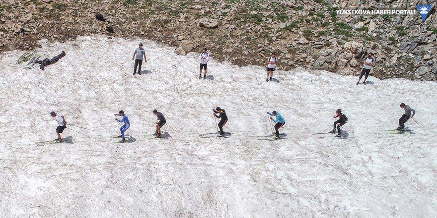 Temmuzda kar üstünde antrenman