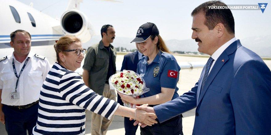Ticaret Bakanı Pekcan, Yüksekova'ya geldi