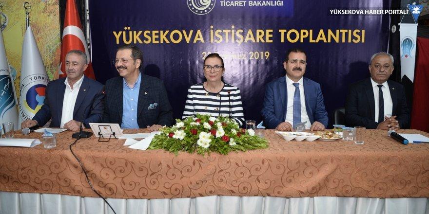 Yüksekova'da konuşan Ticaret Bakanı Pekcan: Derecik ve Alan kapıları için görüşmelerimiz devam edecek