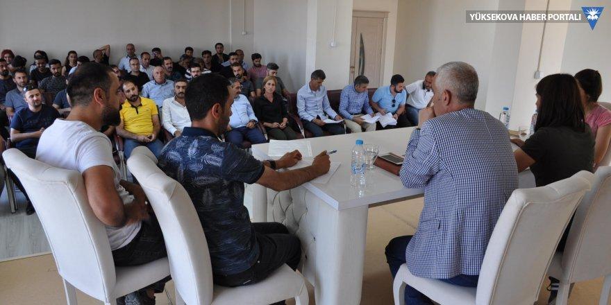 Eş Başkan Sarı, Yüksekova'daki mimar ve mühendislerle bir araya geldi