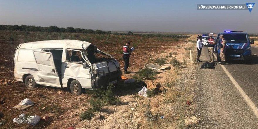 Suriyeli işçilerin aracı devrildi
