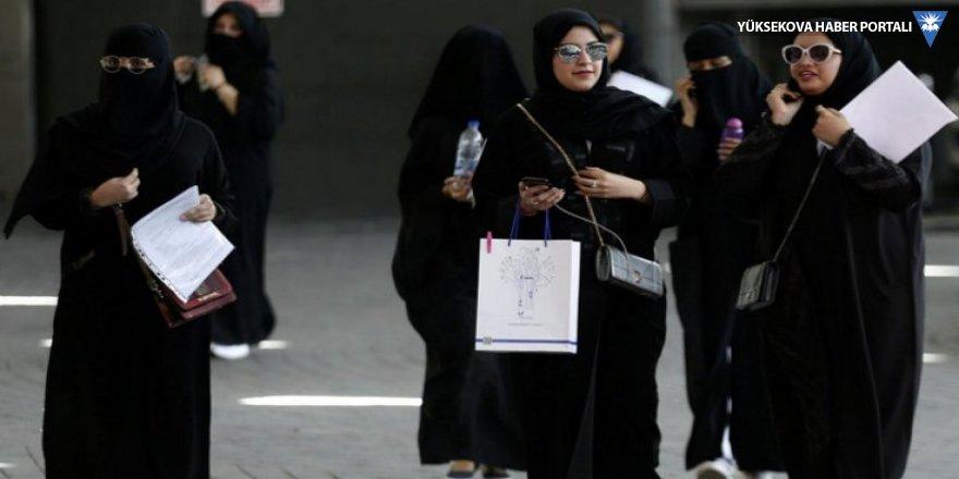 Suudi Arabistan'da kadınlara seyahat serbestliği
