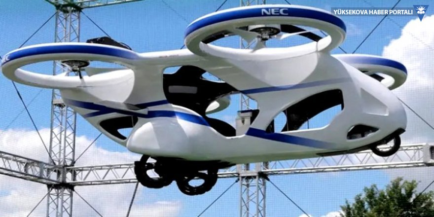Japonya'da uçan otomobil denendi