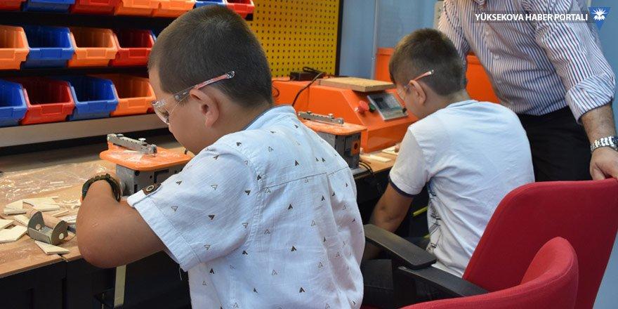 Hakkari'de geleceğin teknolojisi öğretiliyor