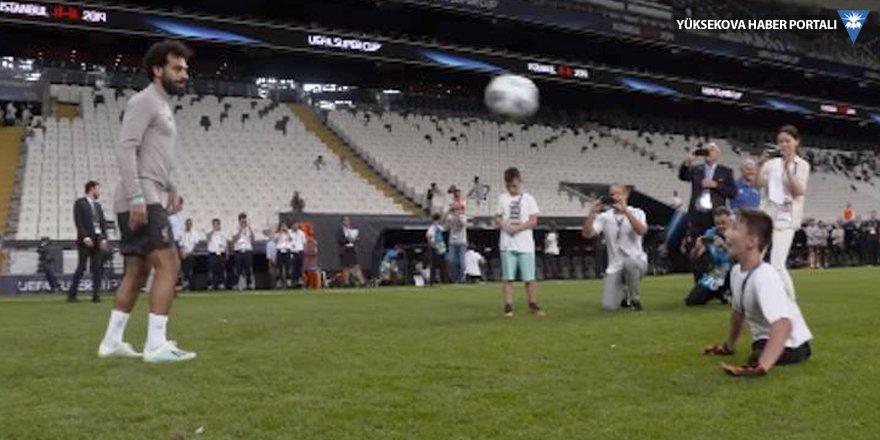 Liverpool ve Chelsea'den engelli çocuklarla antrenman