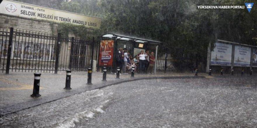 İstanbul yağmura yakalandı