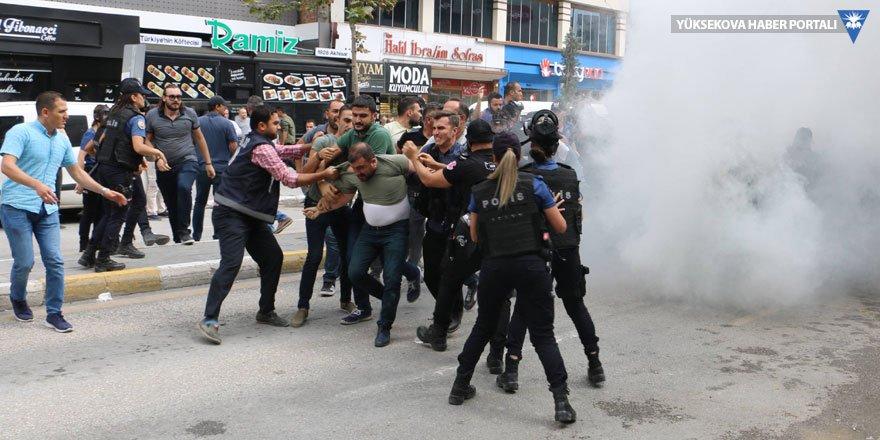 Van'da 14 kişi gözaltına alındı