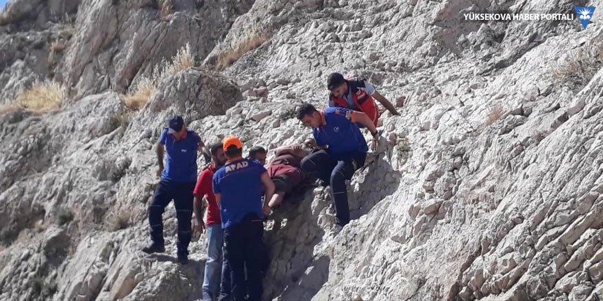 Van Kalesi'nde mahsur kalan kişi kurtarıldı