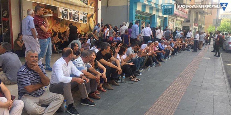 Diyarbakır'da kayyım protestosu sürüyor