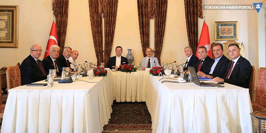 CHP'li belediye başkanları İstanbul'da toplandı