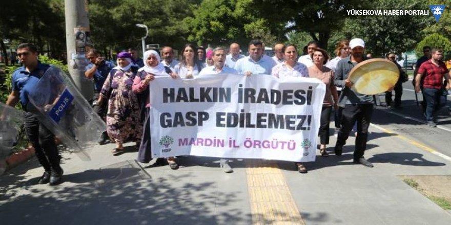 Van ve Mardin'de 11'inci gün eylemi