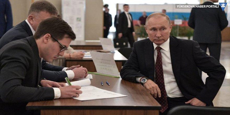 Rusya yerel seçimler için sandık başında