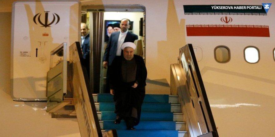 Ruhani, 'üçlü zirve' için Ankara'da