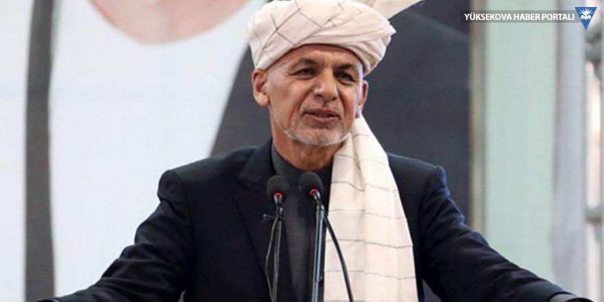 Afganistan Cumhurbaşkanı'nın da katıldığı seçim mitingine bombalı saldırı