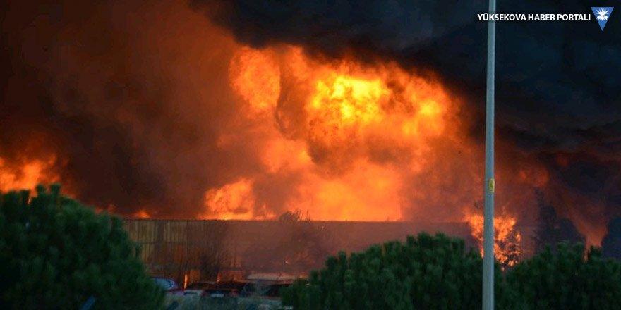 Tuzla'da fabrika yangını