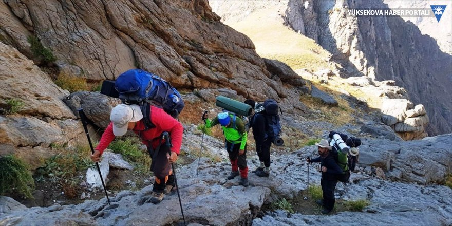 Hakkari Beyaz Dağı'na zirve tırmanışı